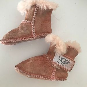 af953c903e9 UGG Shoes - 🛍 UGG Baby Pink Slippers Small🛍